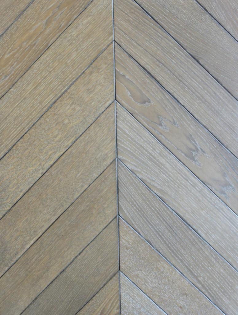 Parquet and panels flooring hitt oak for 100 floors 58th floor